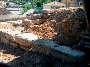 860572-859955-0_excavaciones-ejl-muro-rocalla-casa-min